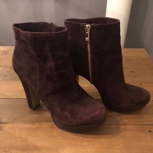 Vince Camuto, Mocha Brown Ankle booties!